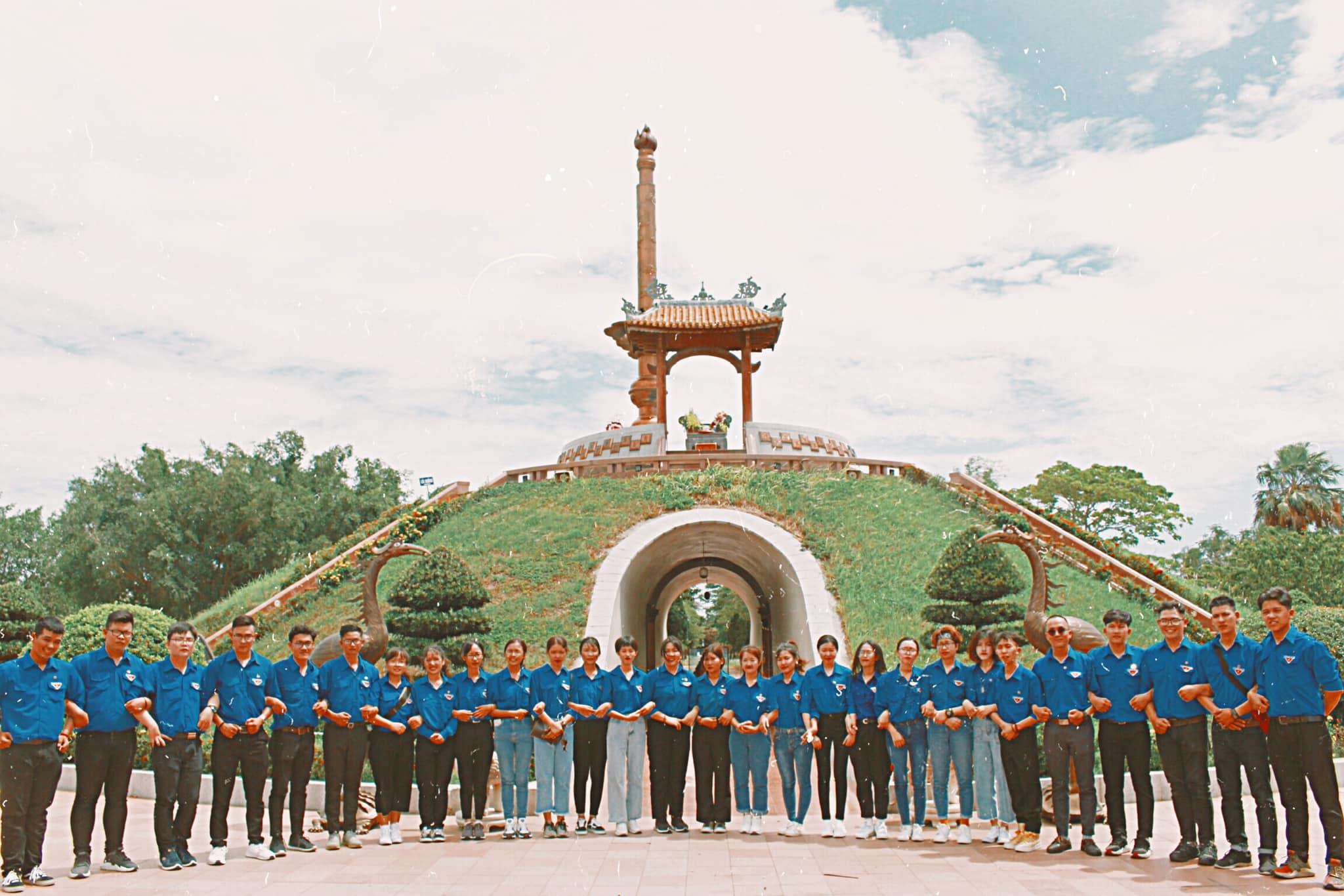 vlu hanh trinh tham den hung 2019 f