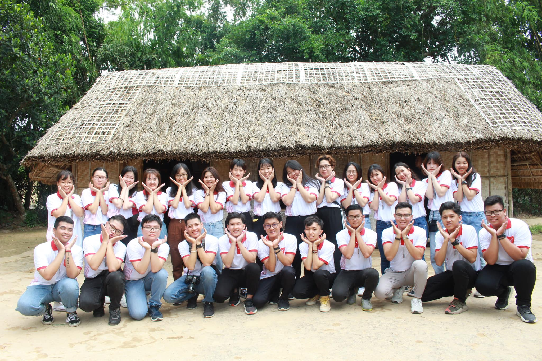 vlu hanh trinh tham den hung 2019 i