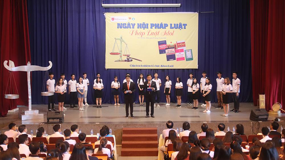 DH van lang ngay hoi phap luat 2018 2019 04